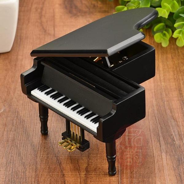 hộp nhạc piano gỗ đen