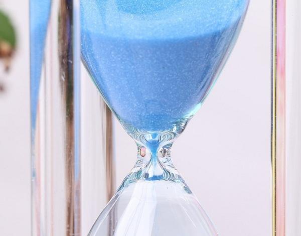 Đồng hồ cát thủy tinh