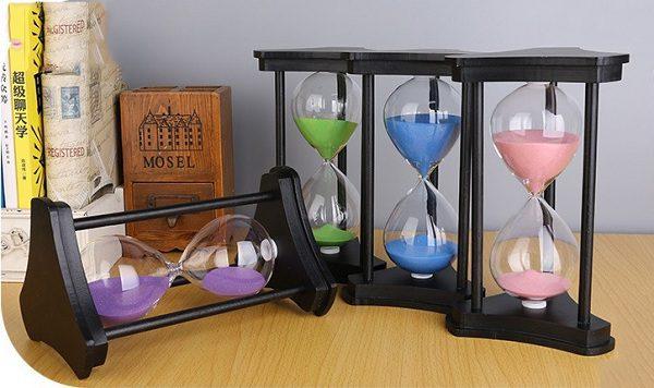 đồng hồ cát gỗ 3 trụ