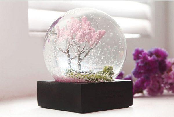 quả cầu tuyết 4 mùa