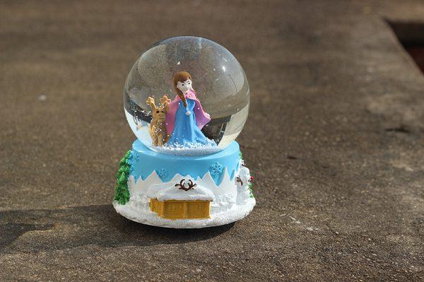 quả cầu tuyết frozen