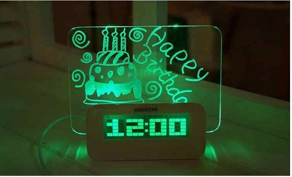 đồng hồ báo thức đèn Led