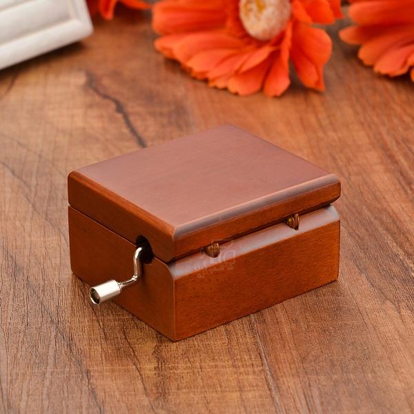 hộp nhạc gỗ quay tay
