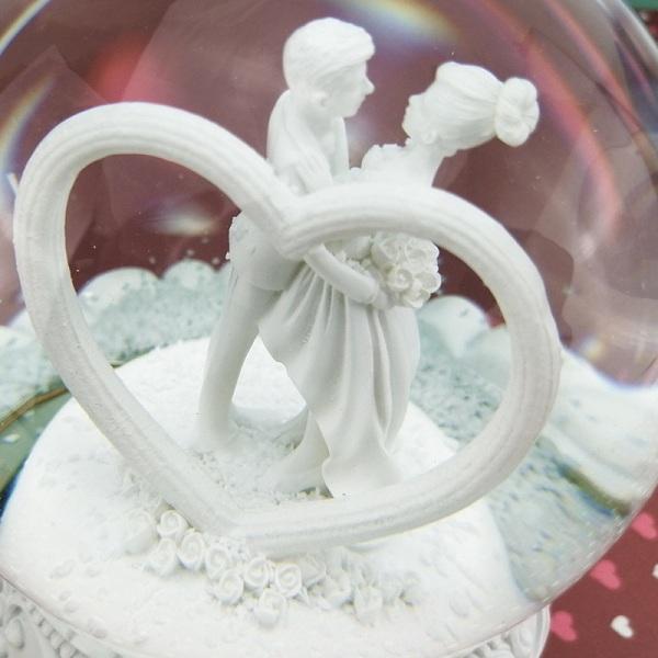 quả cầu tuyết cô dâu chú rể