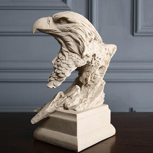 tượng đầu đại bàng
