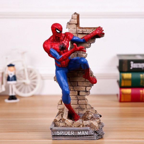 tượng người nhện spider men