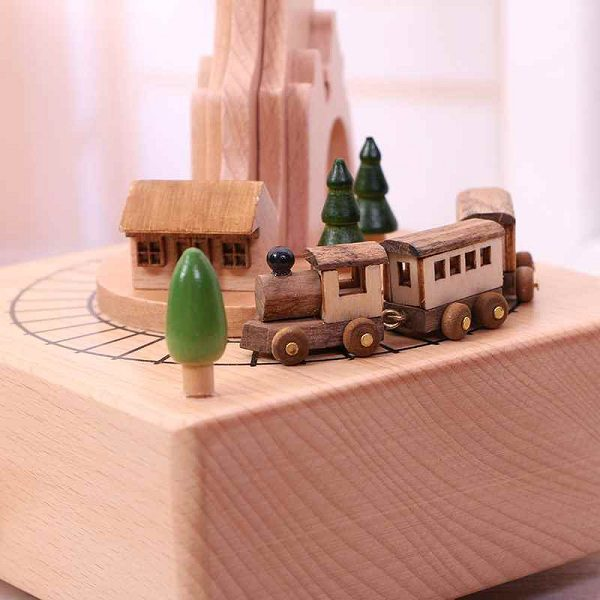 hộp nhạc gỗ tàu qua núi
