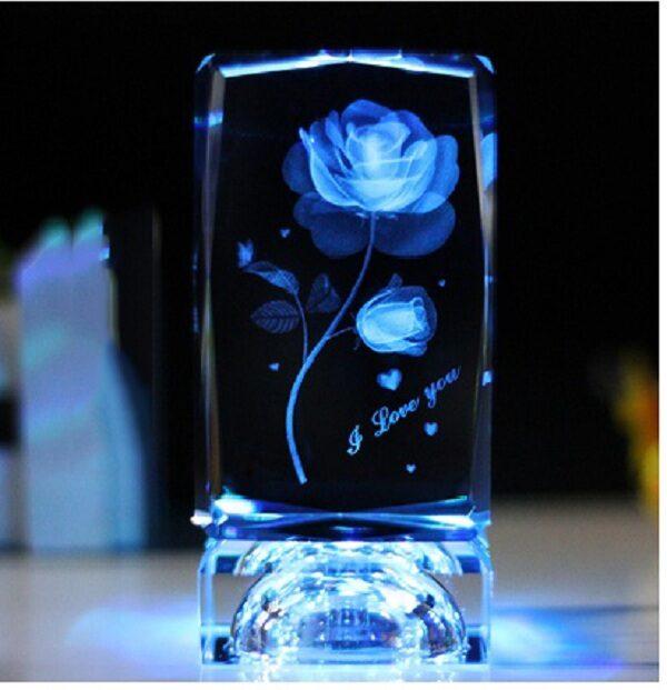 Pha lê bông hồng